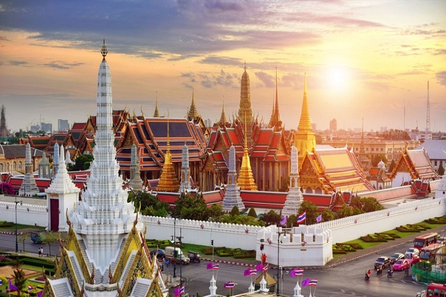 Nên mua vé máy bay đi Thái Lan vào tháng mấy?